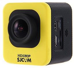 У камеры SJcam M10 WIFI Cube Car множество комплектующих