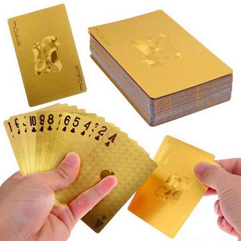 Золотистые игральные карты отлично подойдут в качестве подарка