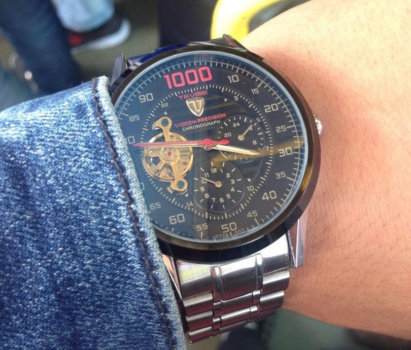 Часы Men Watch Tevise 8378 Stainless Steel Automatic Mechanical Countdown относятся к устройствам механического типа