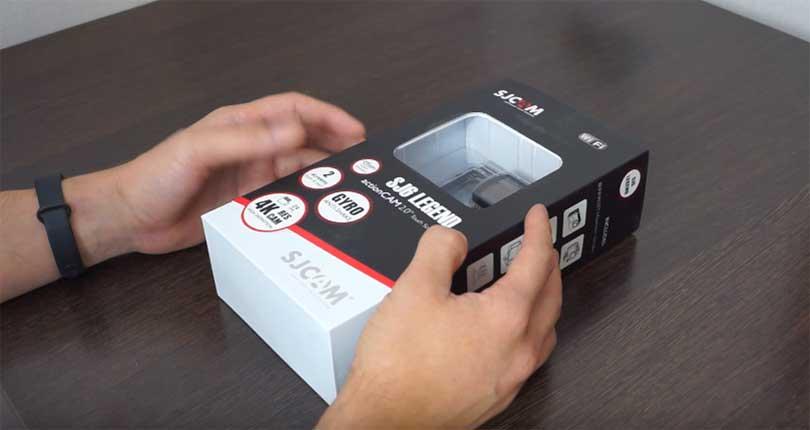 В этой серии камера SJCAM SJ6 Legend поставляется в более компактном аква-боксе, поэтому теперь она больше напоминает камеру GoPro.