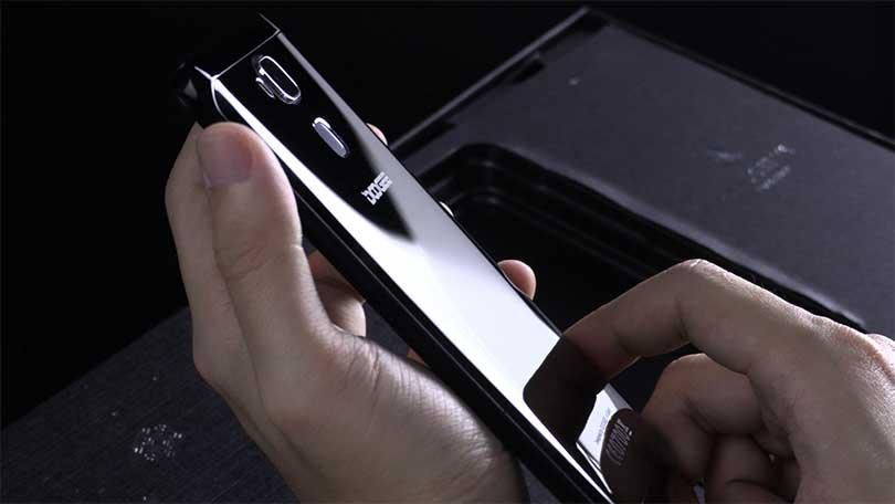 Doogee Y6 Piano Black. Чем отличается эта версия смартфона от простой Doogee Y6? Тем, что стандартная версия, которая не Пиано Блак стоит на 30 долларов дешевле.