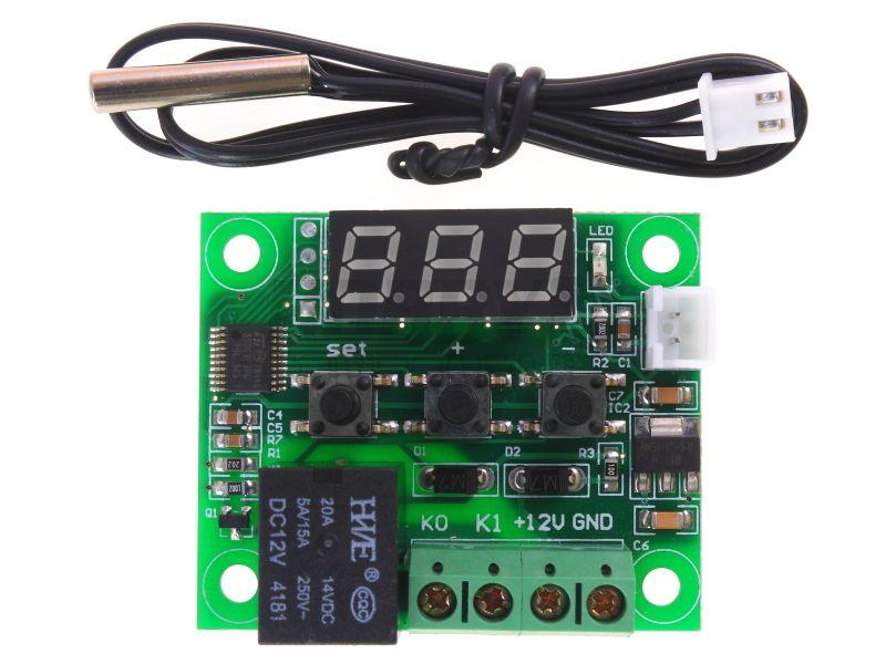Схема подключения W1209 W1209 работает от постоянного тока - 12 вольт. Снизу представлена схема для подключения W1209. На центральном блоке расположены четыре слота.