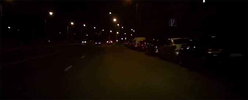 SQ8 Mini DV довольно неплохо снимает во время ночных поездок в разрешении 1080 - 720 пикселей