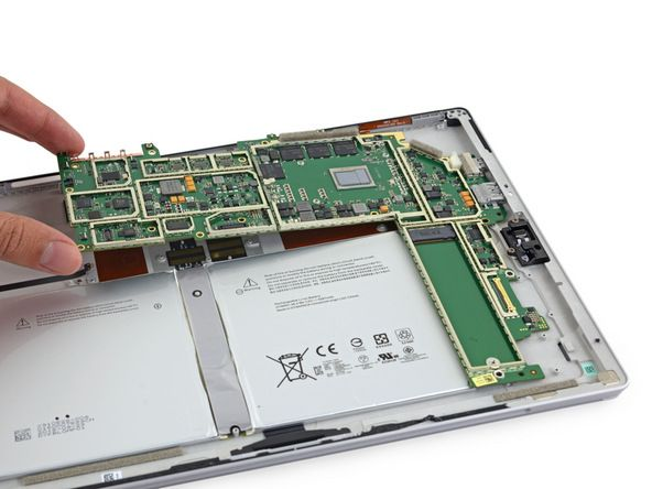 Планшет на базе процессора Intel Core m3-6Y30 имеет 4 гигабайта оперативной памяти, которая позволяет работать со множеством открытых приложений одновременно, а также имеет возможность увеличить местную память с 64 до 128 гигабайт.