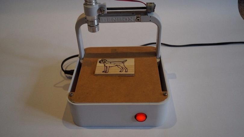 Лазерный гравер Benbox отличается небольшими размерами