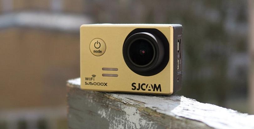 Камера SJCAM SJ500X Elite оснащается большим количеством аксессуаров