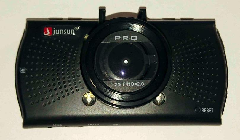 Видеорегистратор-камера Junsun с Ambarella A7LA70 легко устанавливается