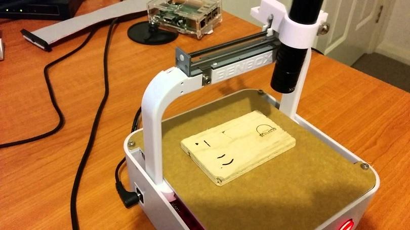 Лазерный гравер Benbox качественно выполняет свои функции