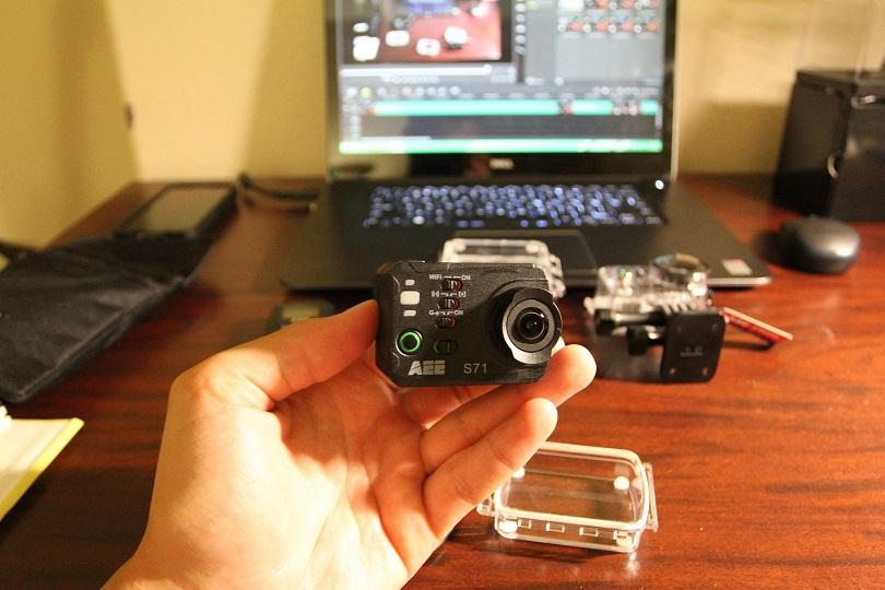 Камера AEE S71 4K 120 Frames Speed поставляет с большим количеством комплектующих